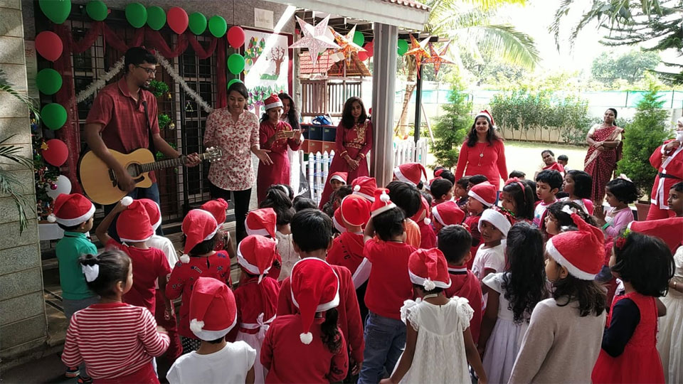 Christmas-Celebrations-Little-Red-Hen-Preschool-Kothanur-2