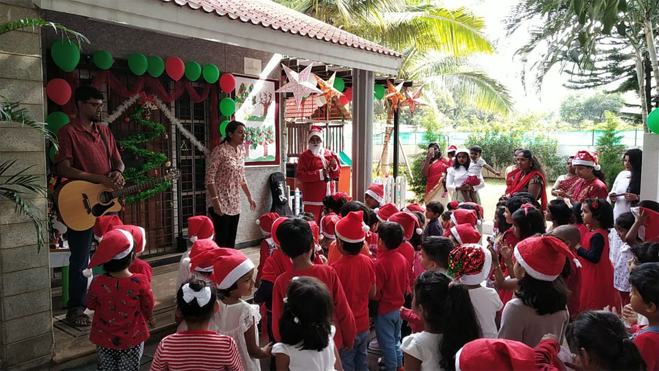 Christmas-Celebrations-Little-Red-Hen-Preschool-Kothanur-3